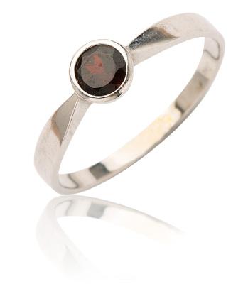 Stříbrný prsten s granátem-VR 87