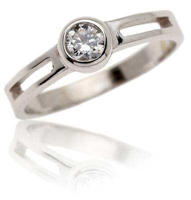 VR245 - Oblíbený zlatý prsten se zirkonem