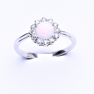Stříbrný prsten, bílý syntetický opál, čiré zirkony, T 1495