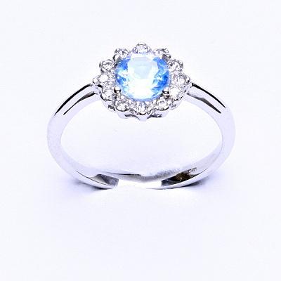 Stříbrný prsten, přírodní topaz sky, čiré zirkony, T 1495