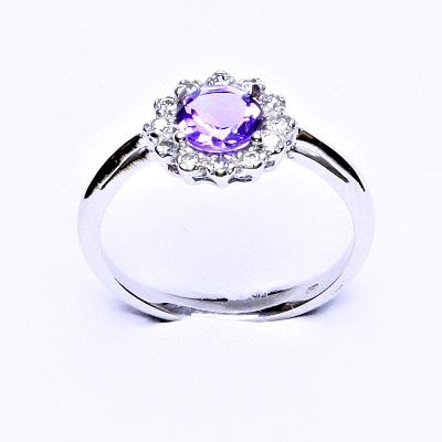 Stříbrný prsten, přírodní ametyst světlý, čiré zirkony, T 1495