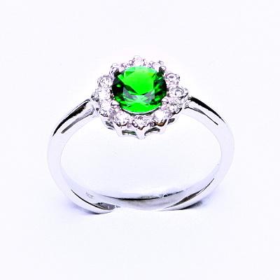 Stříbrný prsten, zirkon smaragd, čiré zirkony, T 1495