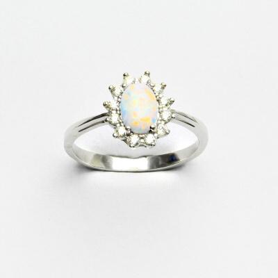 Zlatý prsten Kate, bílý syntetický opál, čiré zirkony, bílé zlato, T 1480