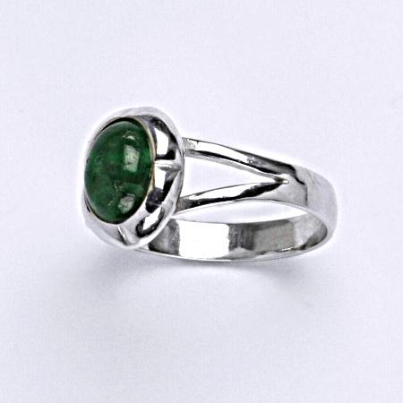 Prsten s přírodním smaragd ze stříbra T 1374