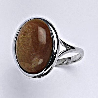 Stříbrný prsten s přírodním kamenem sluneční kámen 16 x 12 mm, T 1455