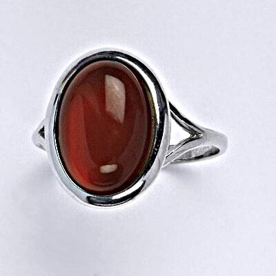 Stříbrný prsten s přírodním kamenem karneol, tmavý,14 x 10 mm T 1454