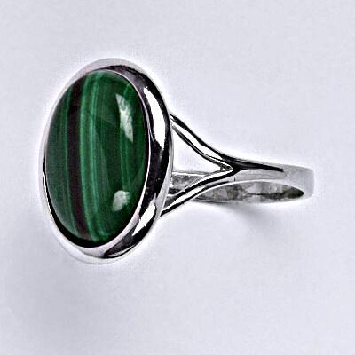 Stříbrný prsten s přírodním kamenem malachit 14 x 10 mm, T 1454