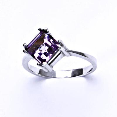 Stříbrný prsten, přírodní světlý ametyst, prstýnek ze stříbra, T 1258