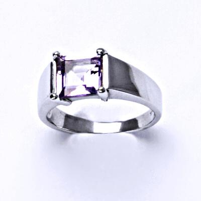 Stříbrný prsten, přírodní ametyst světlý, prstýnek ze stříbra, T 1404