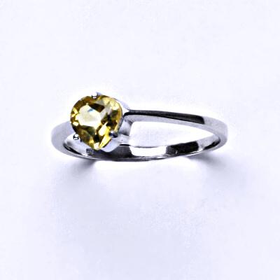 Stříbrný prsten, přírodní citrín pálený, srdíčko,prstýnek ze stříbra, T 1362