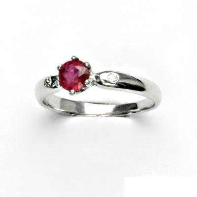 Stříbrný prsten, přírodní rubín, prstýnek ze stříbra, čiré zirkony, VLZDR 048