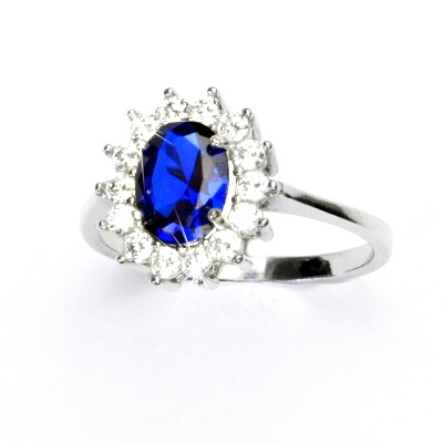 Stříbrný prsten, syntetický spinel, čiré zirkony, Kate, T 1507