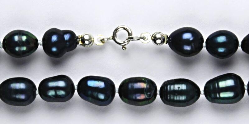 Přírodní říční perly černé, černá perla přírodní, náhrdelník z perel, perlový náhrdelník