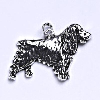 Stříbrný přívěšek pes-kokršpaněl s patinou, stříbrný přívěšek ve tvaru kokršpaněla P 147