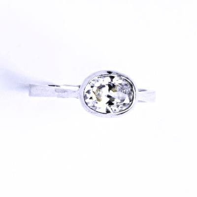 Stříbrný prsten s čirým zirkonem VR 108