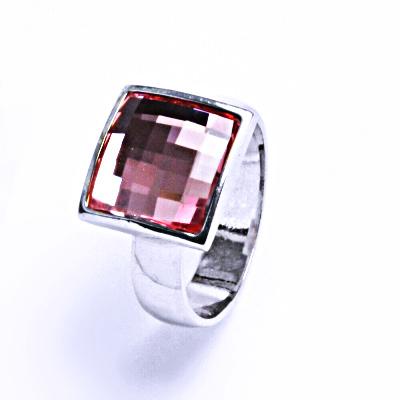 Stříbrný prsten s krystalem Swarovski (Light Rose)T 1305