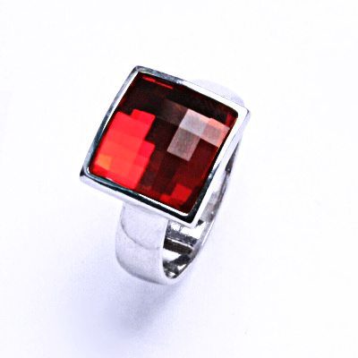 Stříbrný prsten s krystalem Swarovski (Light Siam)T 1305