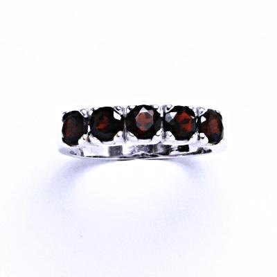 Stříbrný prsten s granátem, prsten ze stříbra VR 105