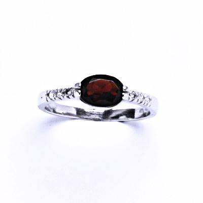Stříbrný prsten s granátem, prsten ze stříbra VR 237