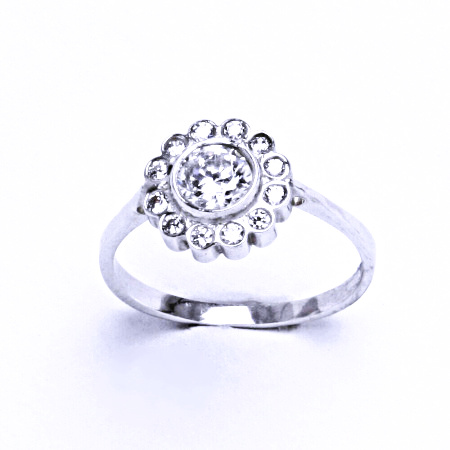 Stříbrný prsten se syntetickým zirkonem VR 179