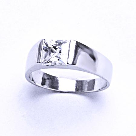 Stříbrný prsten se syntetickým zirkonem VR 73