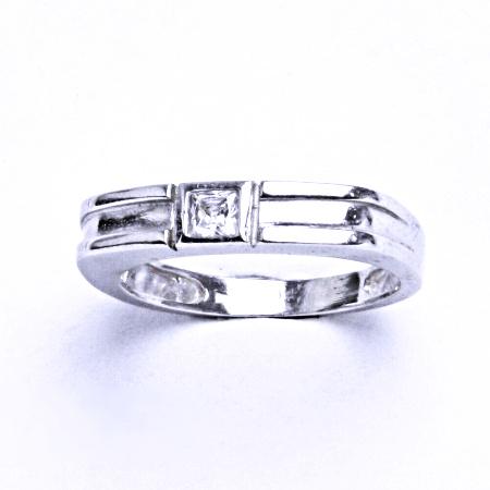 Stříbrný prsten se syntetickým zirkonem VR 133