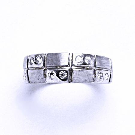 Stříbrný prsten se syntetickým zirkonem VR 177