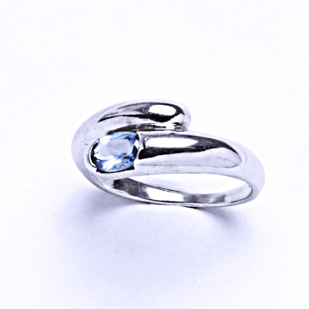 Stříbrný prsten se syntetickým akvamarínem VR 289