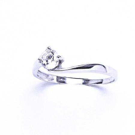 Stříbrný prsten se syntetickým zirkonem VR 282