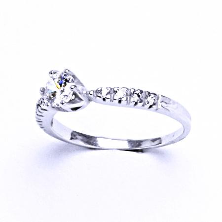 Stříbrný prsten se syntetickým zirkonem VR 99