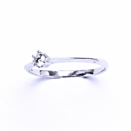 Stříbrný prsten se syntetickým zirkonem VR 326