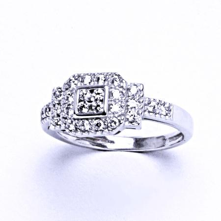 Stříbrný prsten se syntetickým zirkonem VR 210