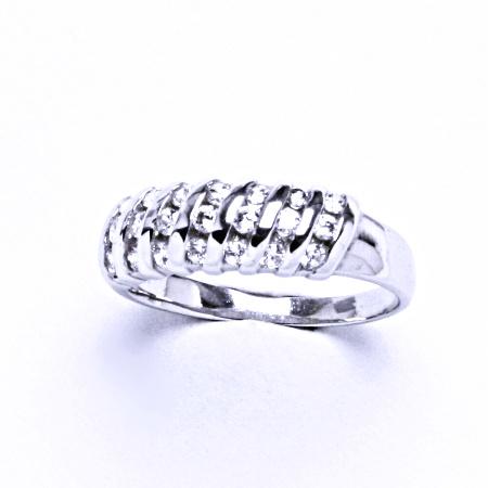 Stříbrný prsten se syntetickým zirkonem t 1518