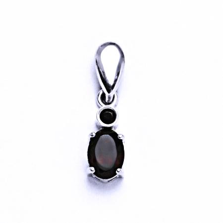 Stříbrné přívěsky s přírodními granáty,šperk 001091001209