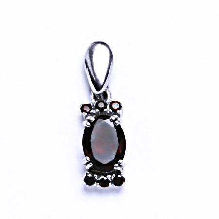 Stříbrné přívěsky s přírodními granáty,šperk vp 64