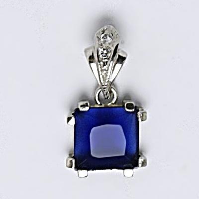 Stříbrný přívěsek s krystalem, modrý, P 1196