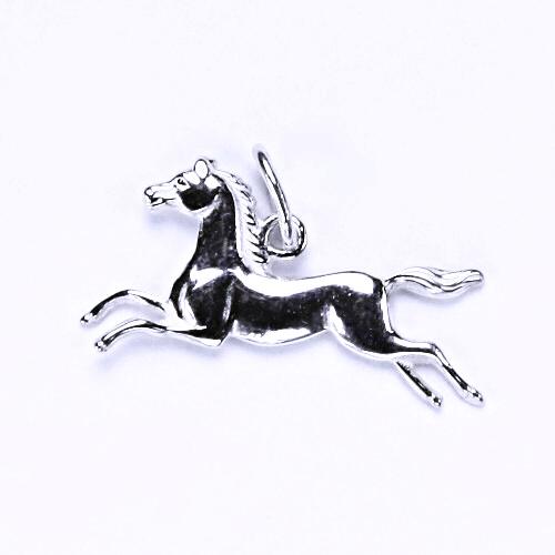 Stříbrný přívěsek , kůň v běhu, stříbro, přívěsek ve tvaru koně, P 5