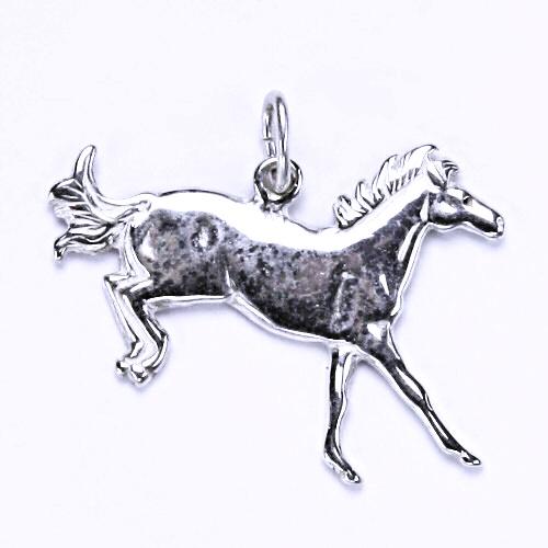 Stříbrný přívěsek - kůň v doskoku, přívěsek ve tvaru koně, stříbro, P 57
