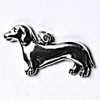 Stříbrný přívěšek s patinou, jezevčík, pes, přívěsek ze stříbra P 199