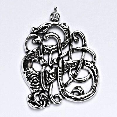 Stříbrný přívěsek s patinou, keltský had, přívěsek ze stříbra, P 101