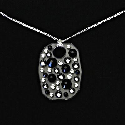 Stříbrný náhrdelník, swarovski krystaly (černé, čiré), přívěsek se swarovski krystalem