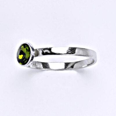Stříbrný prsten se Swarovski krystalem olivine, T 1336