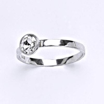 Stříbrný prsten se Swarovski čirým krystalem, T 1336