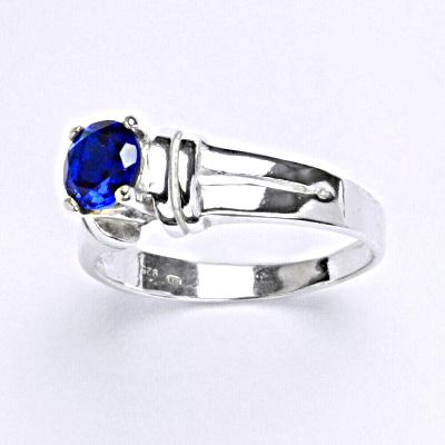 Stříbrný prsten se spinelem, T 1087 S
