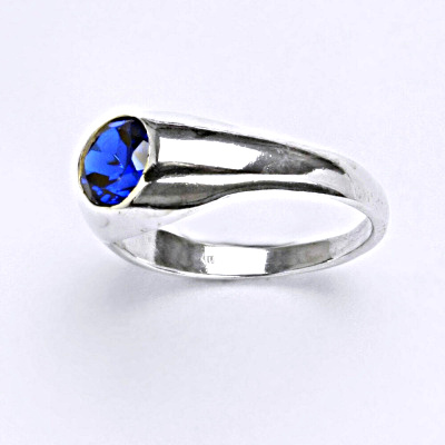 Stříbrný prsten se spinelem T 1061 S