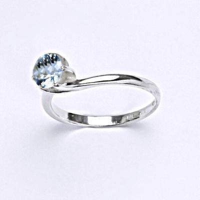 Stříbrný prsten s akvamarínem, zásnubní prsten ze stříbra T 1059 A