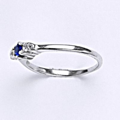 Stříbrný prsten se spinelem,prsten ze stříbra T 1222