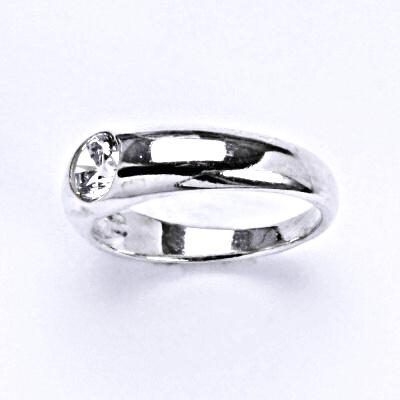 Prsten stříbrný s čirým zirkonem, T 1102,