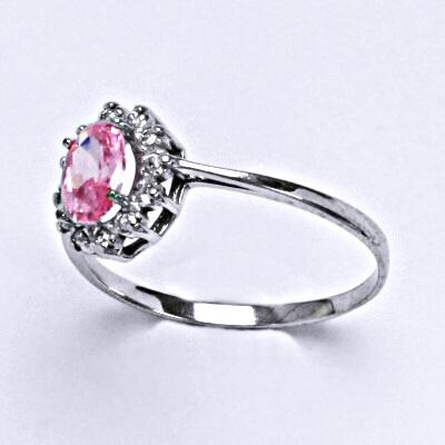 Stříbrný prsten s růžovým zirkonem a čirými zirkony
