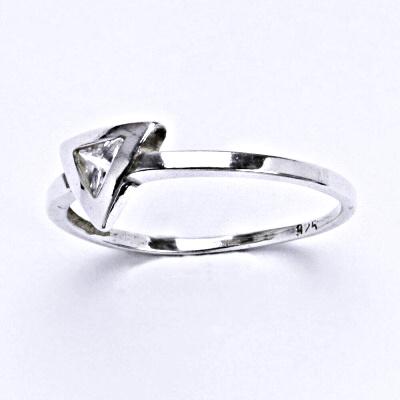 Stříbrný prsten s čirým zirkonem, T 1120